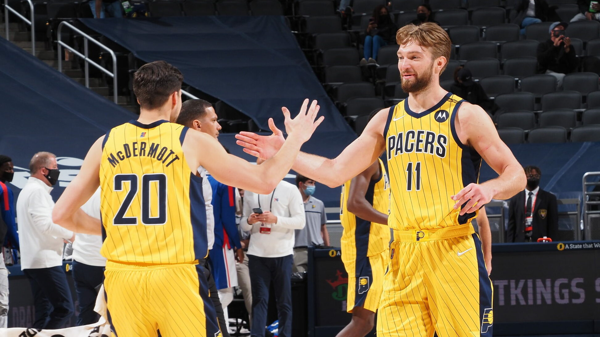 Pacers pick up big win, keep Sixers from locking up No. 1