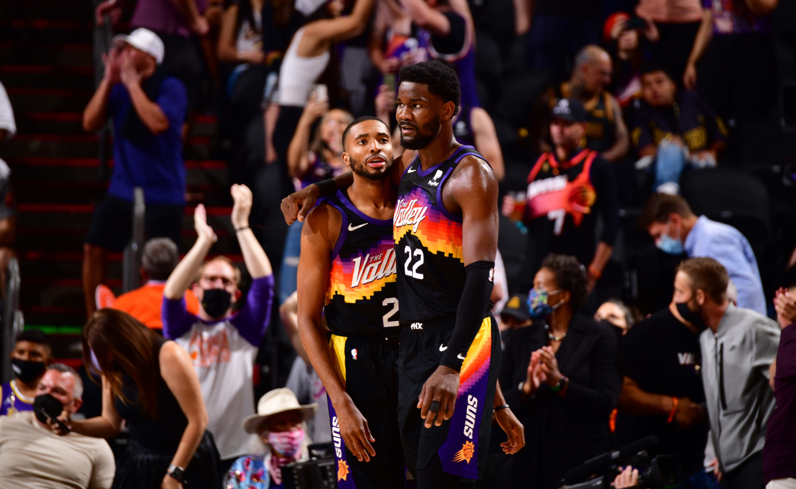 Inside the NBA: Suns not afraid of faltering Lakers