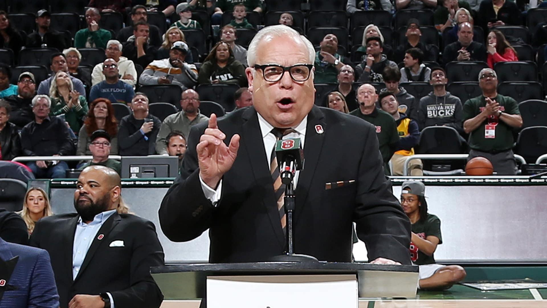 Longtime Bucks announcer Jim Paschke announces retirement