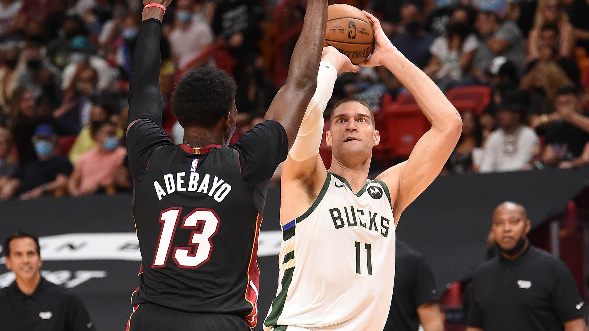 Brook Lopez's interior play has Bucks on verge of sweep