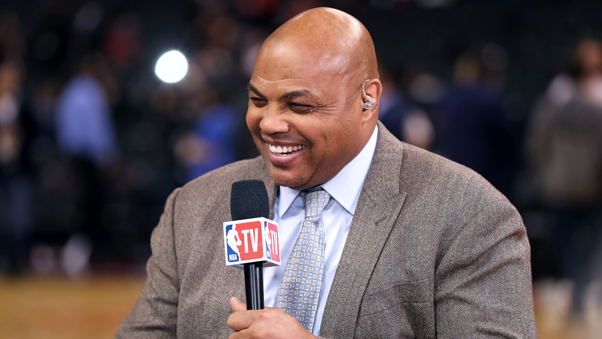Charles Barkley donates $1,000 to each employee at his high school