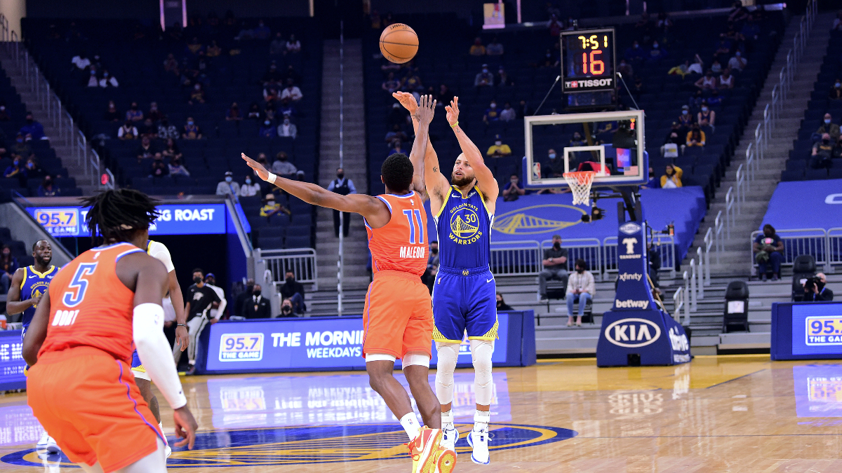 Curry drains 11 3-pointers, scores 49 in Warriors' victory