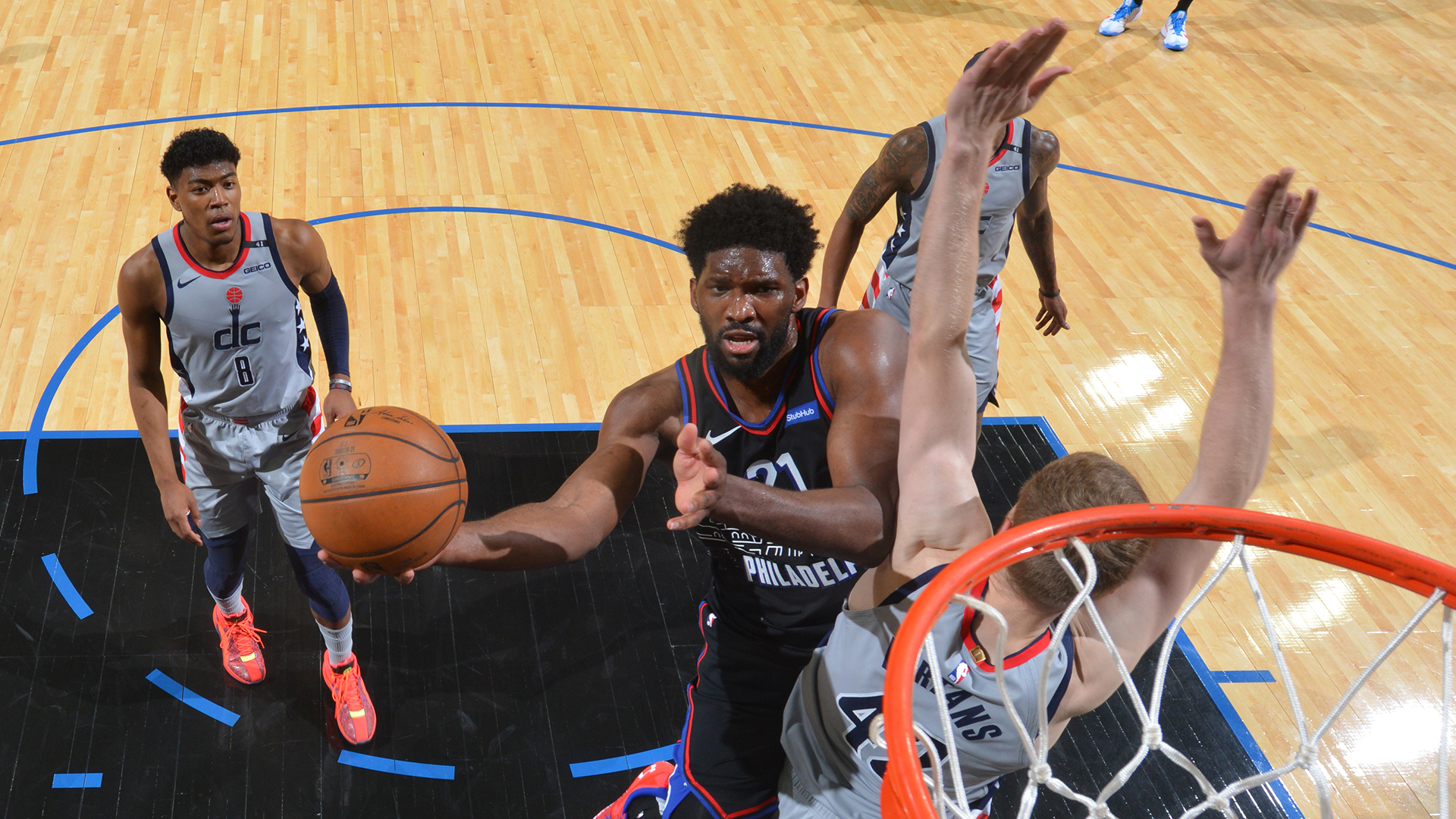 Sixers' offense continues to click in Game 2 rout