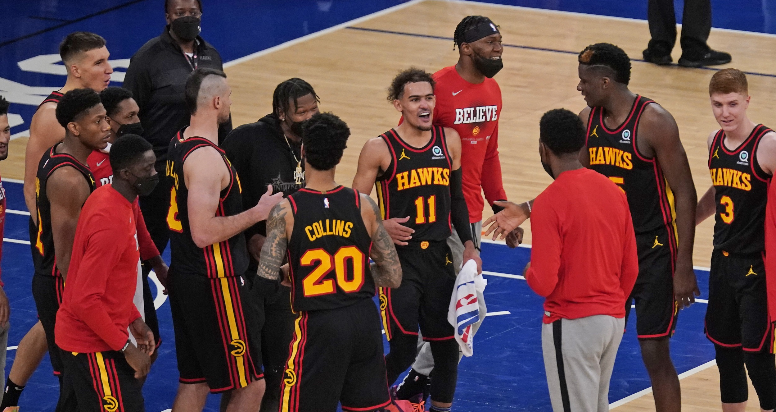 Young lifts Hawks over Knicks in classic battle