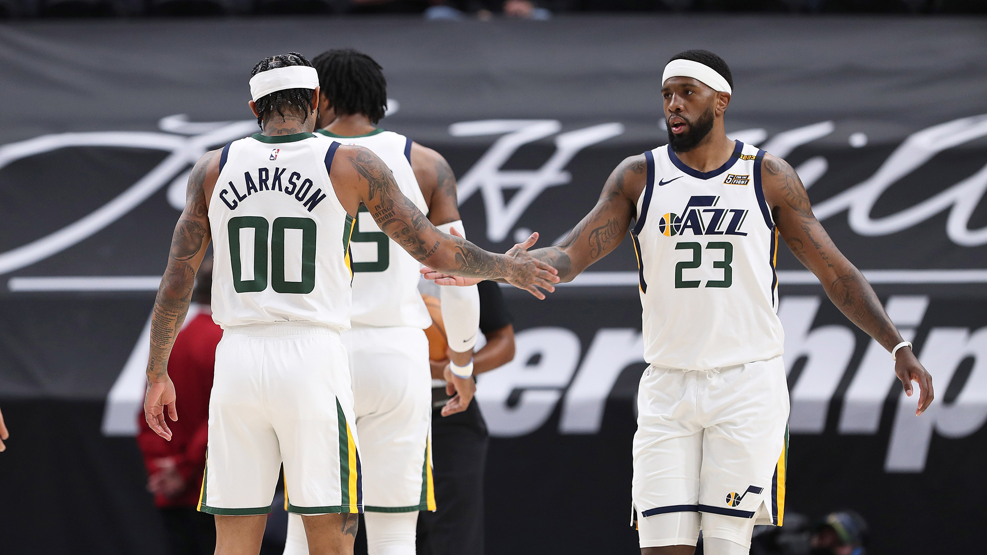 Jazz sprint past Spurs to move back to the top in West