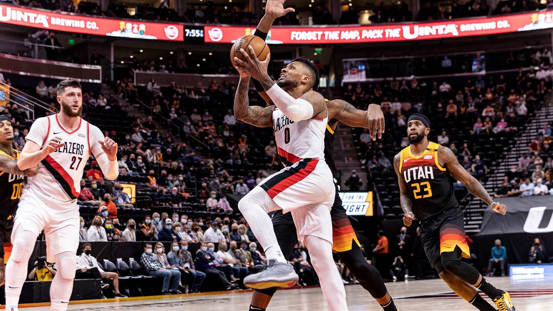 Blazers win 5th straight, tighten grip on playoff spot