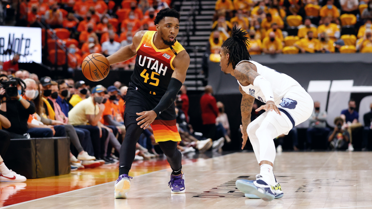 Jazz withstand 47 from Morant, even series