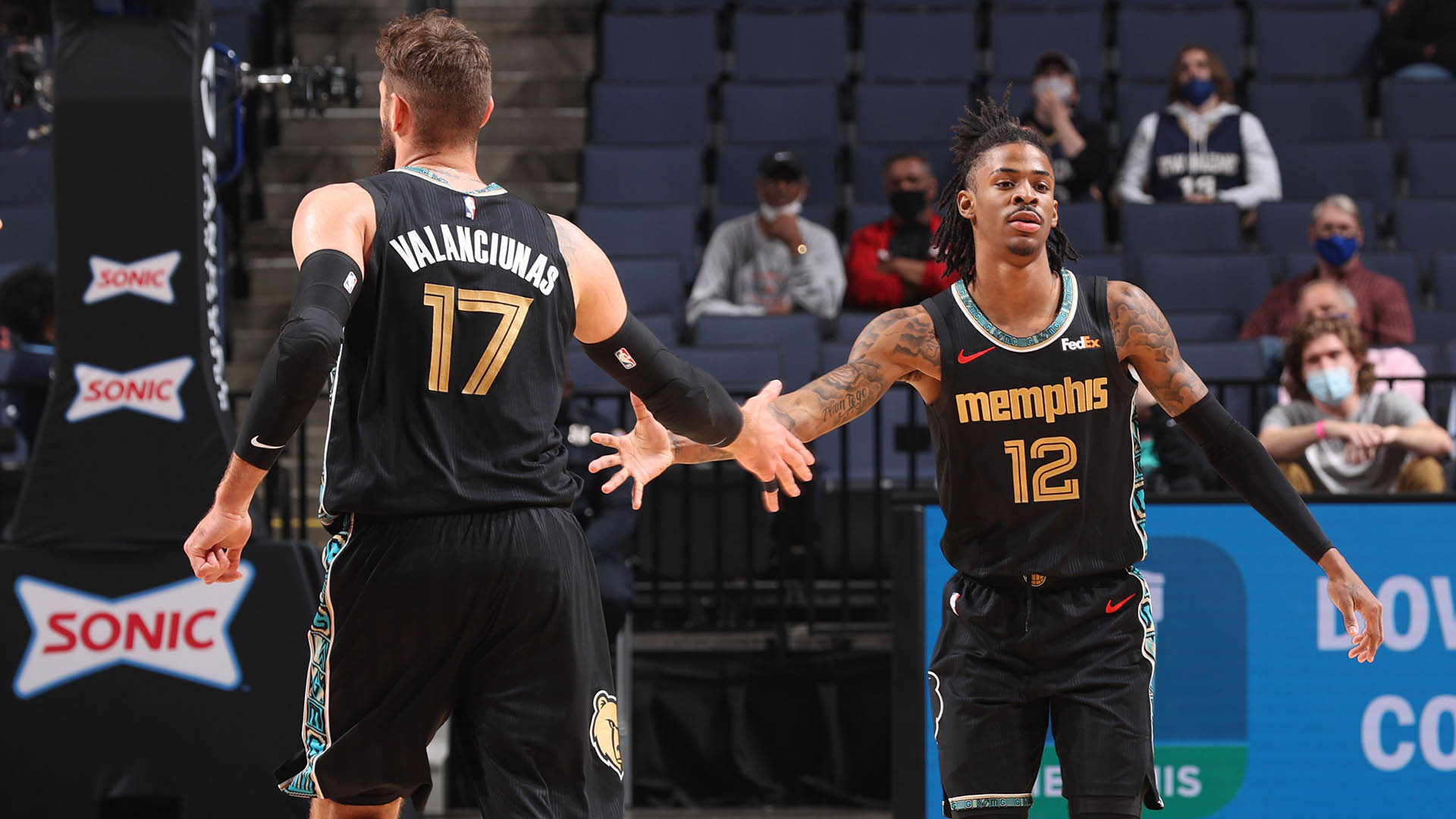 Play-In Picture: Grizzlies stay in chase for No. 8