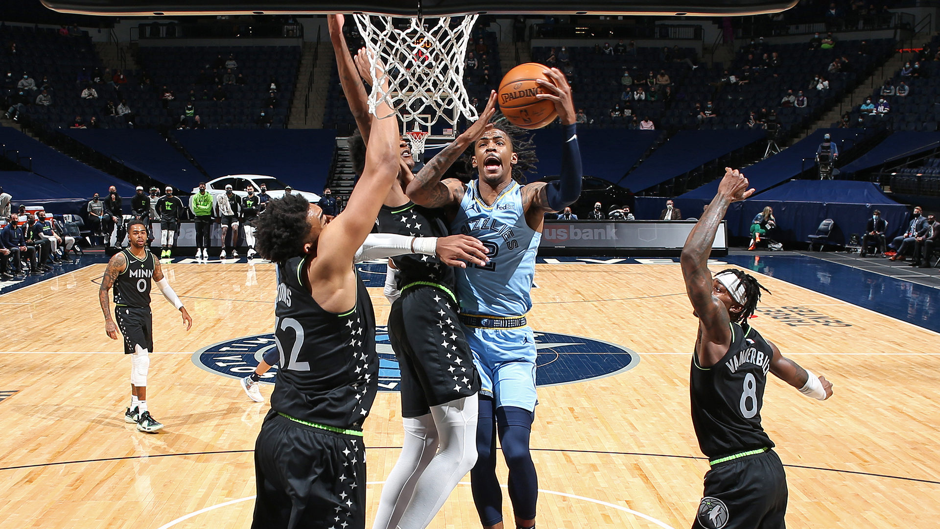 Morant, Edwards put on show as Grizzlies climb to 8th