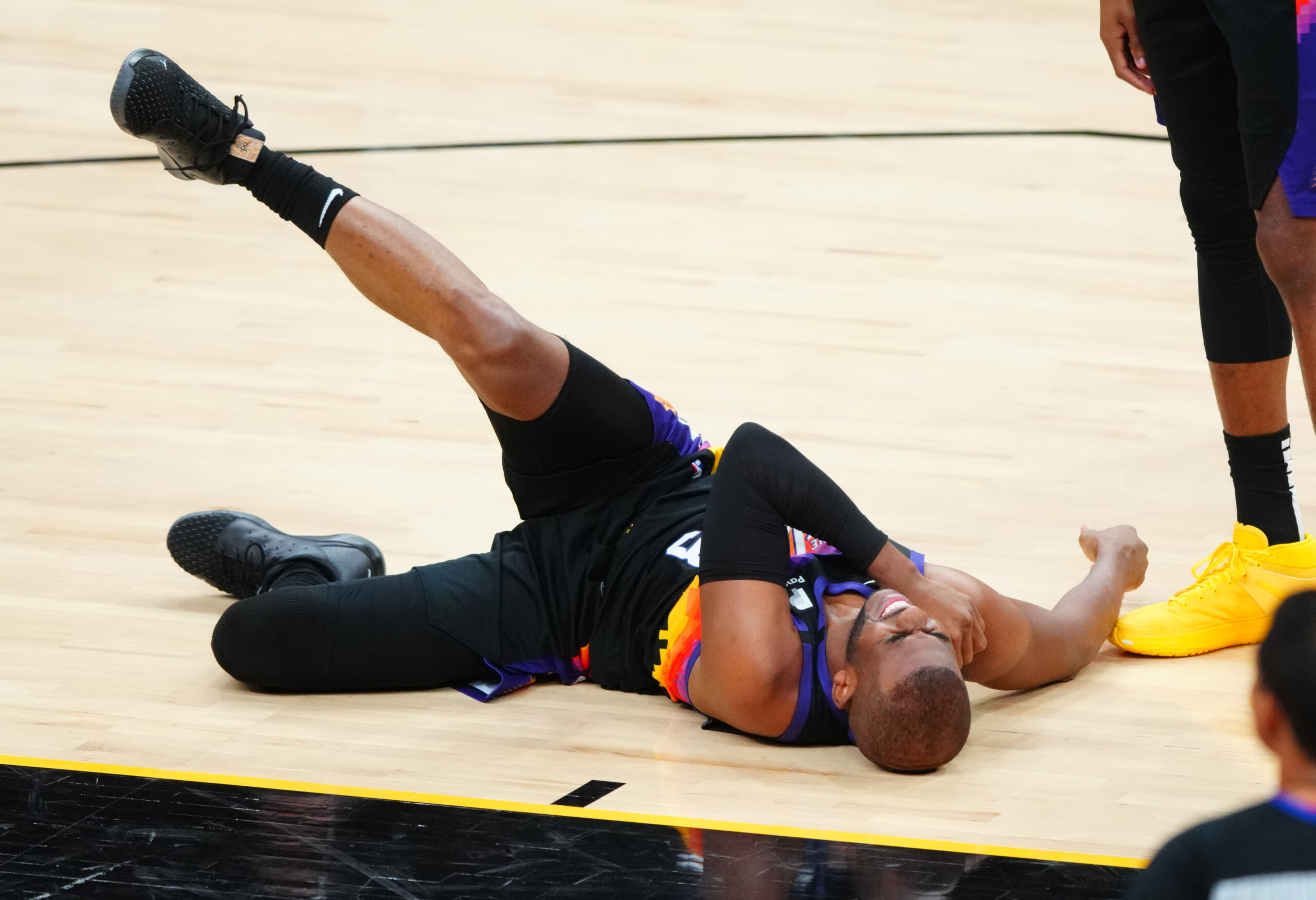 Another postseason, another injury for Chris Paul