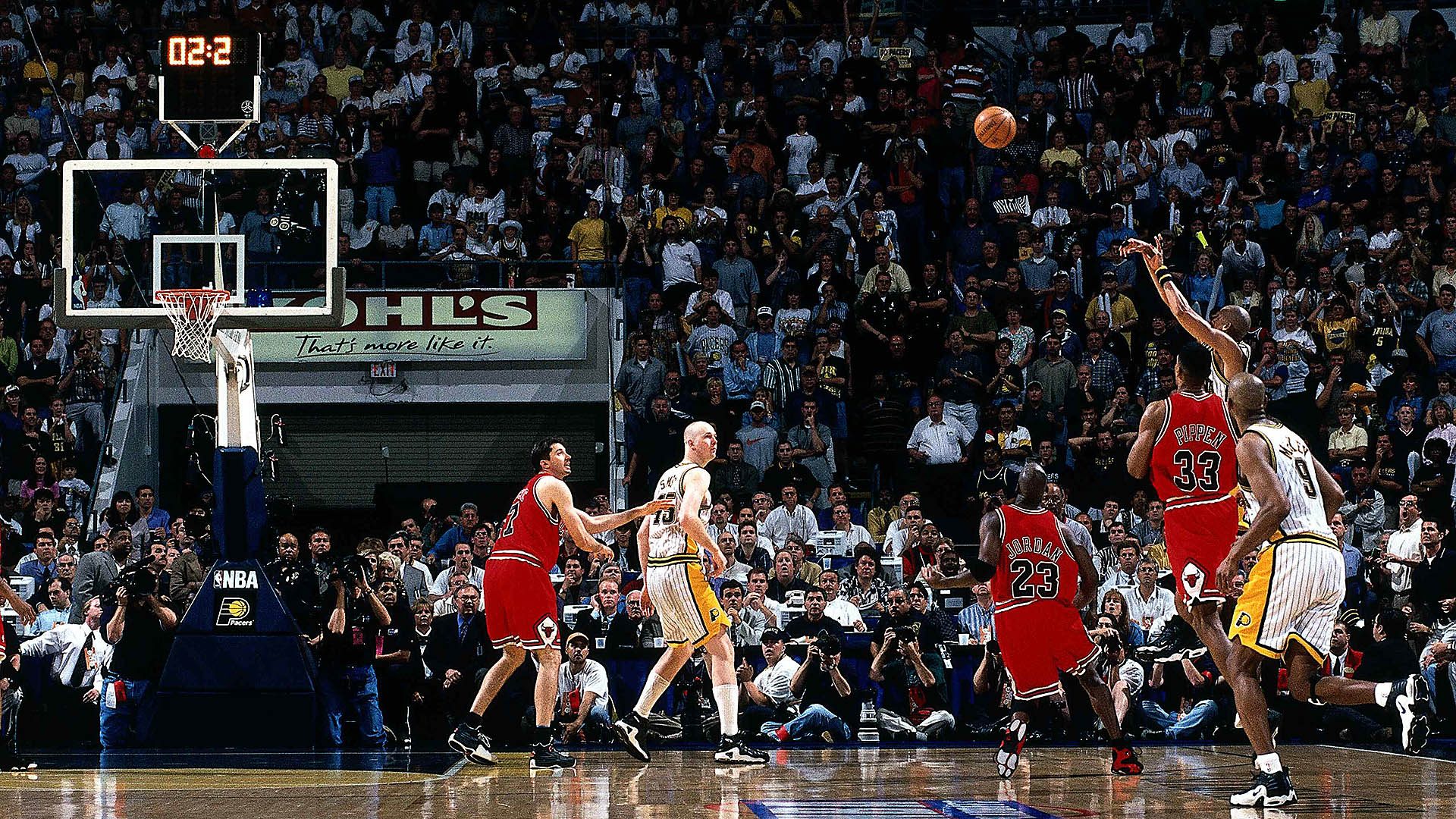 Top Moments: Reggie Miller comes up clutch vs. Chicago