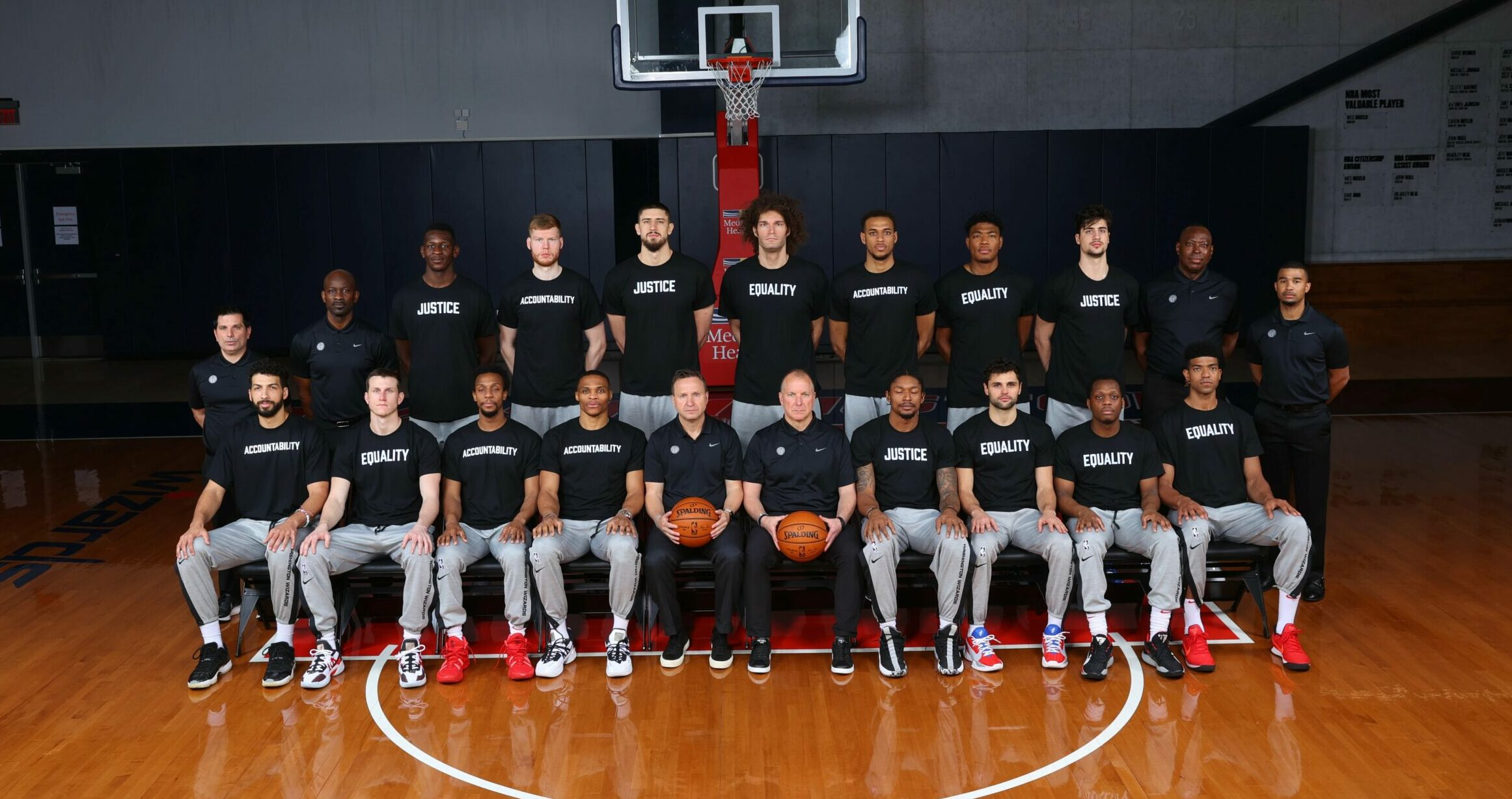 Wizards make statement with 2020-21 team photo
