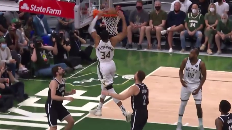 Middleton with a quick feed to Giannis for the flush