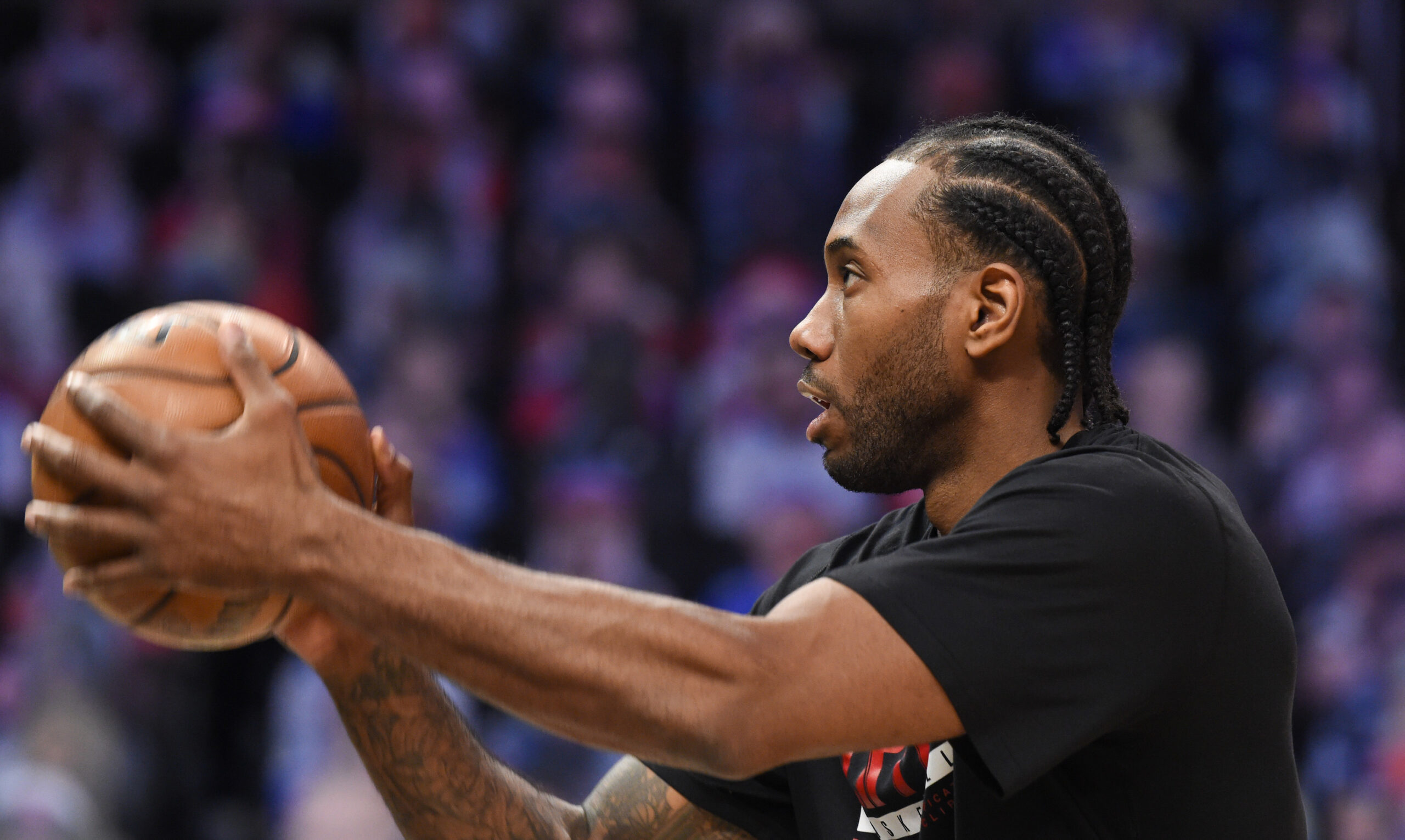 Knee sprain to keep Kawhi Leonard sidelined for Game 2 of Suns-Clippers