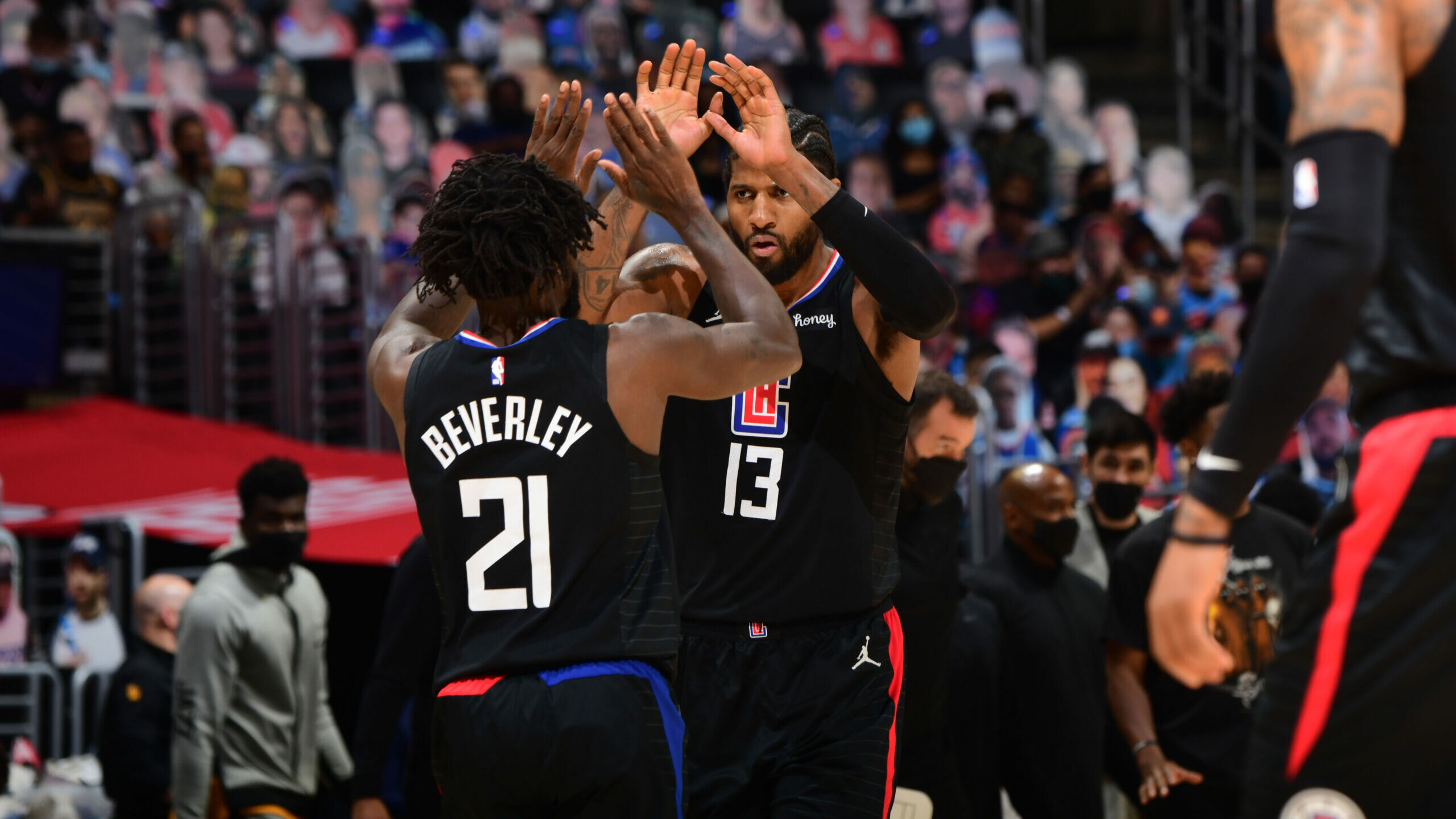 Clippers make statement with Game 4 win to even series