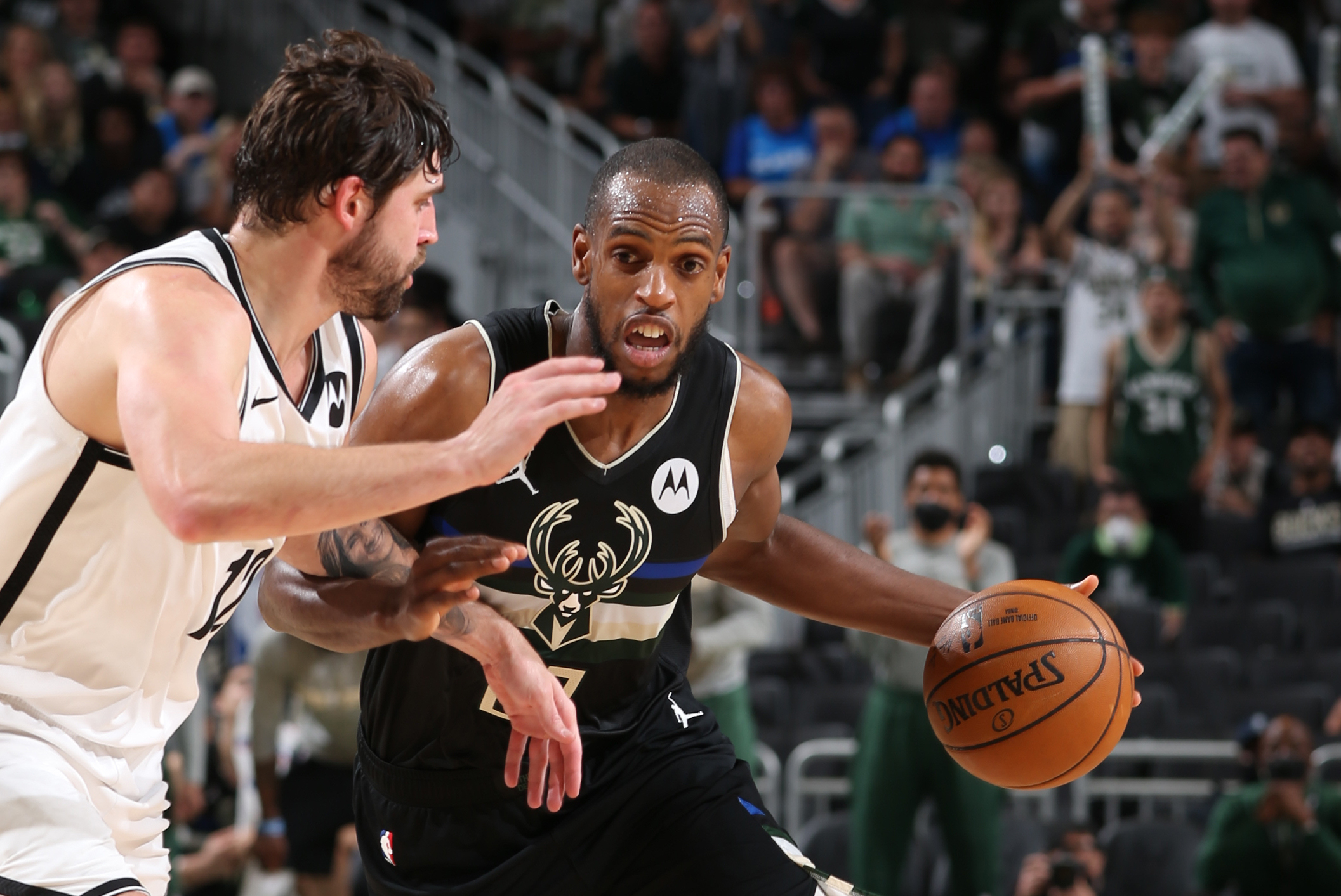 Middleton swaps sidekick status for hero's cape, keeps Bucks' season alive