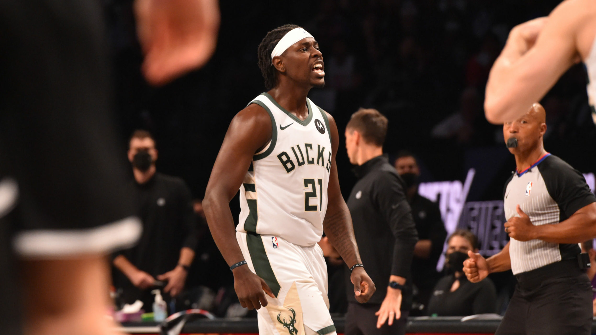 Jrue Holiday, Khris Middleton find themselves in the 4th, send Bucks to conference finals