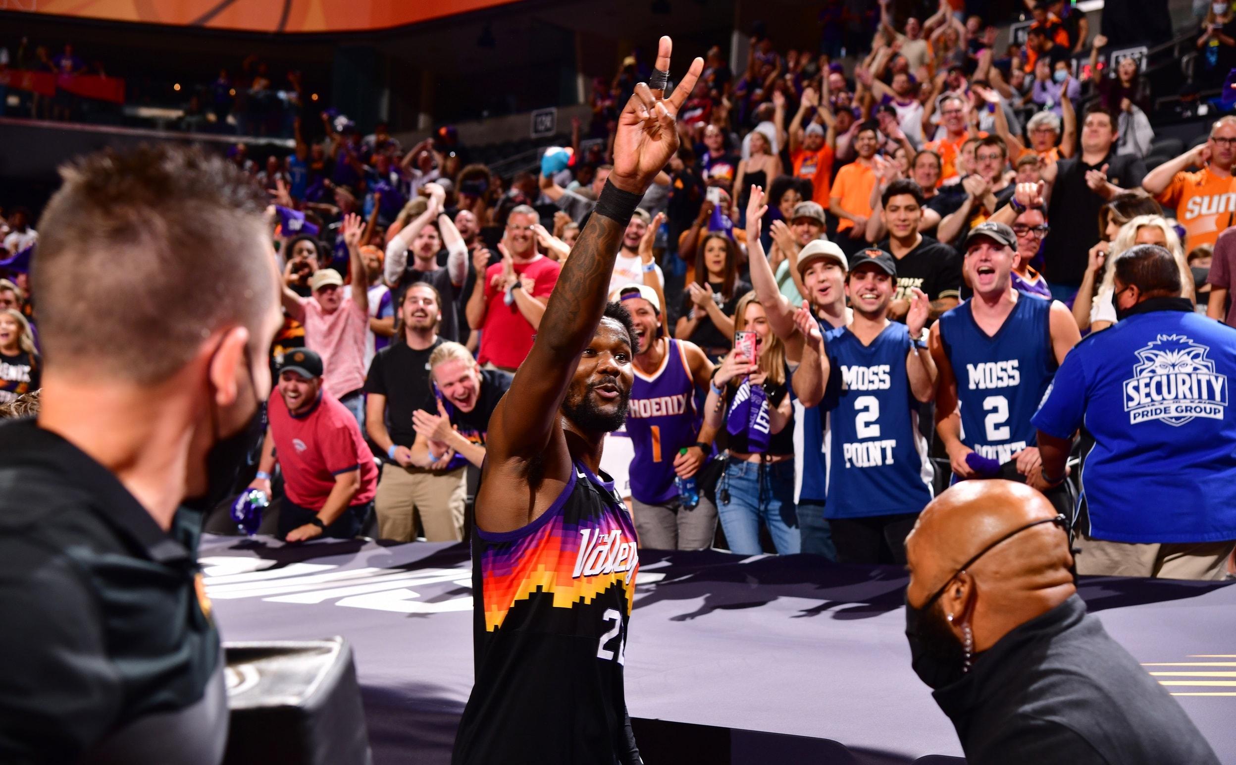 NBA Twitter reacts to Deandre Ayton's miraculous winner
