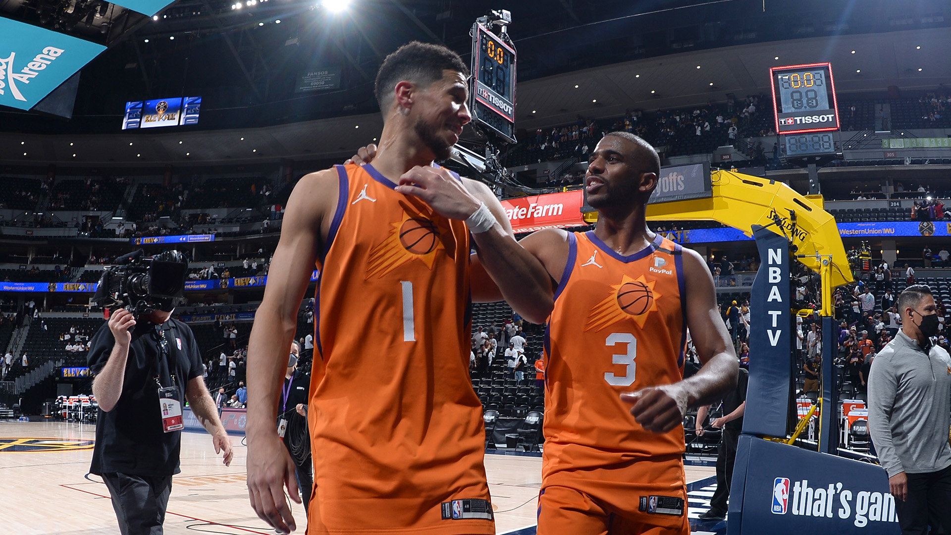 Suns start fast, never slow in rolling to 3-0 series lead