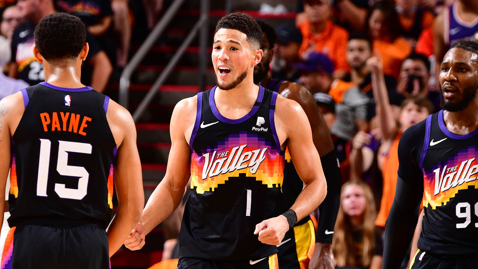 Booker makes his statement in Game 1 win