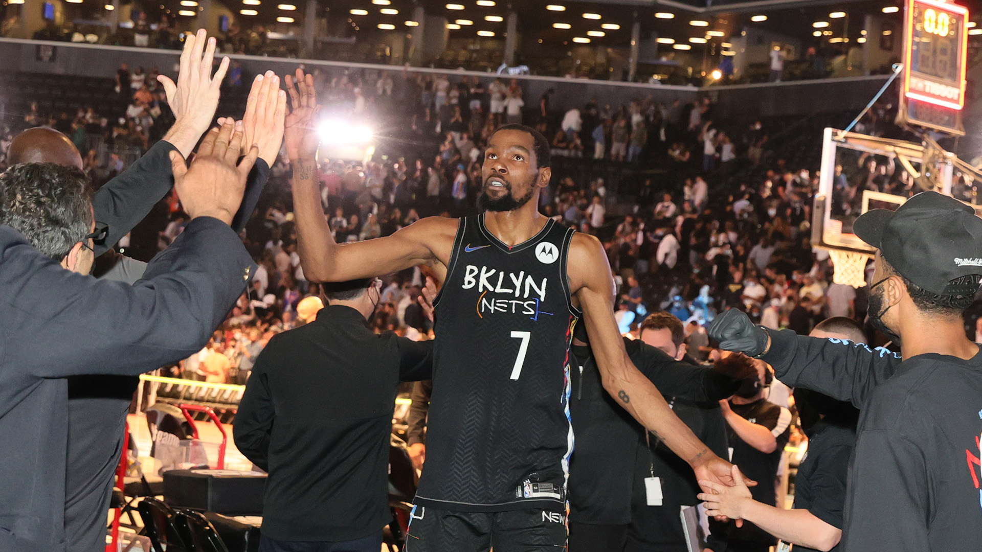 Durant carries Nets, adds to legacy with legendary night