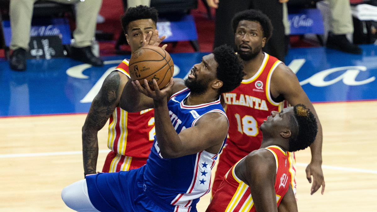 Sixers pull away in 4th quarter, even series