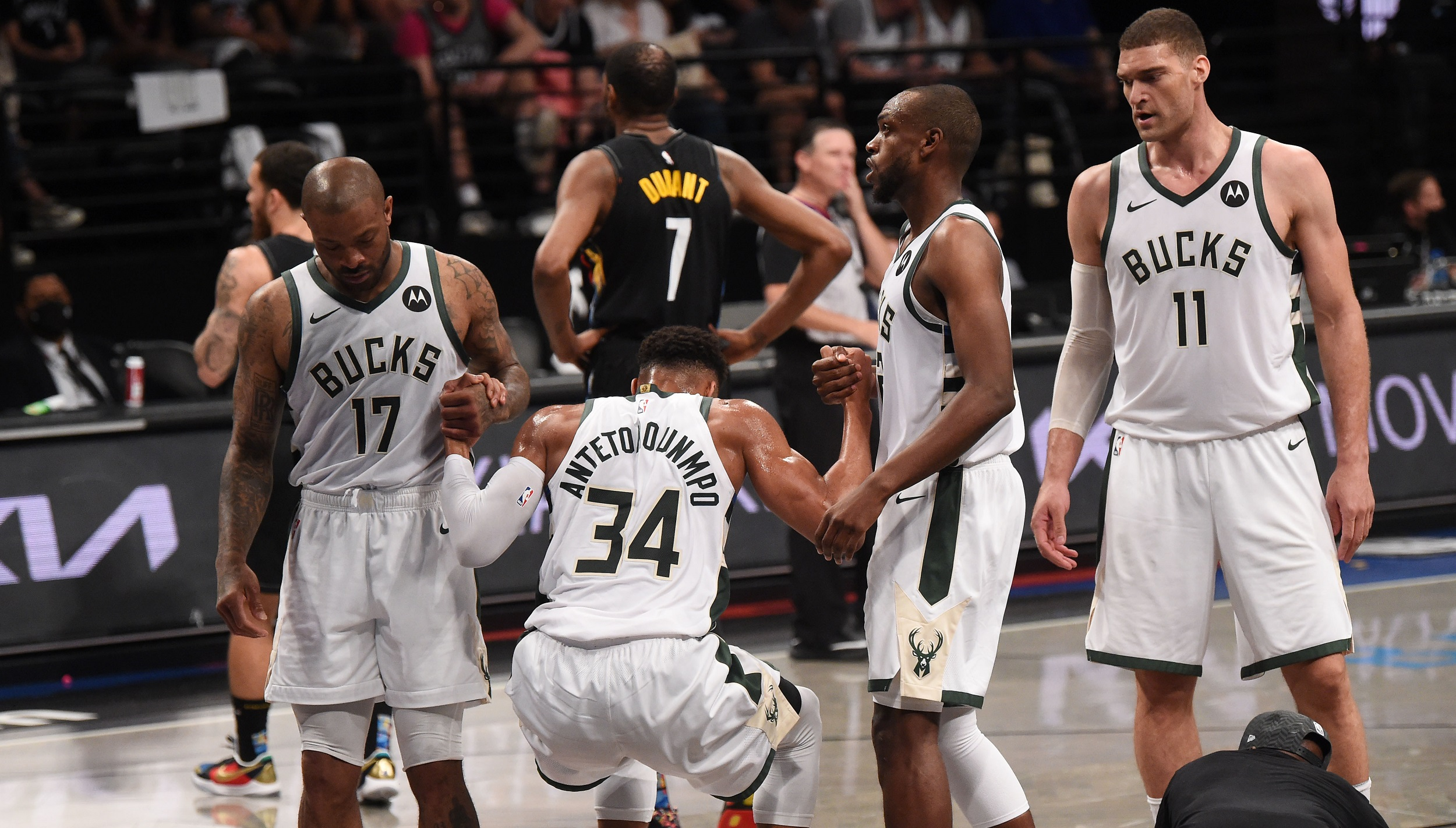 Milwaukee Bucks put up no resistance in Game 2 rout