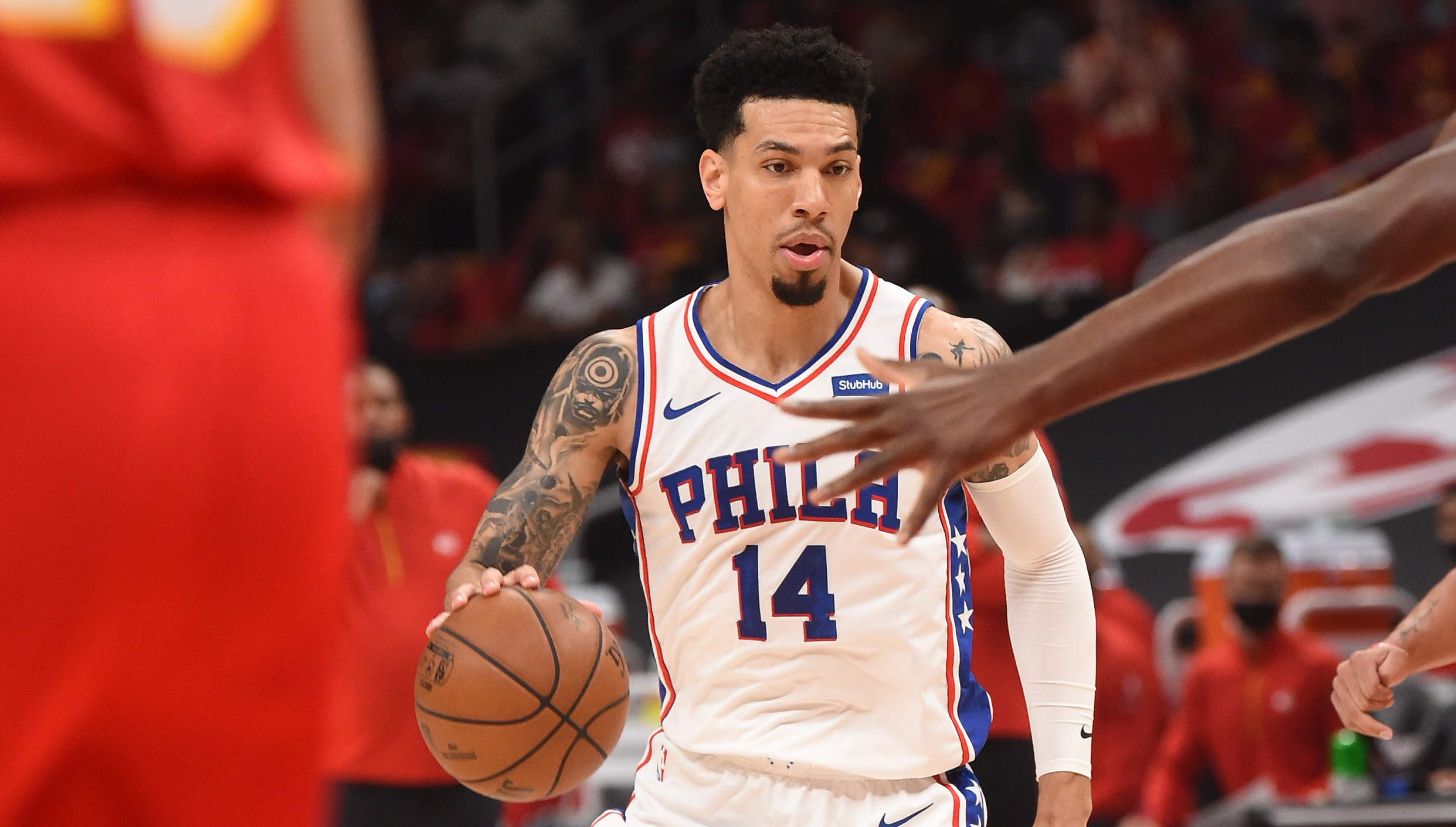 76ers guard Danny Green leaves Game 3 with strained calf, status uncertain