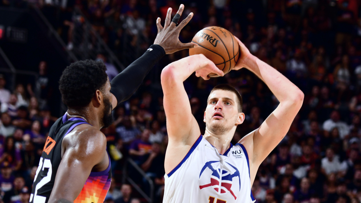 Jokic posts 24 points, 13 rebounds in Nuggets' loss