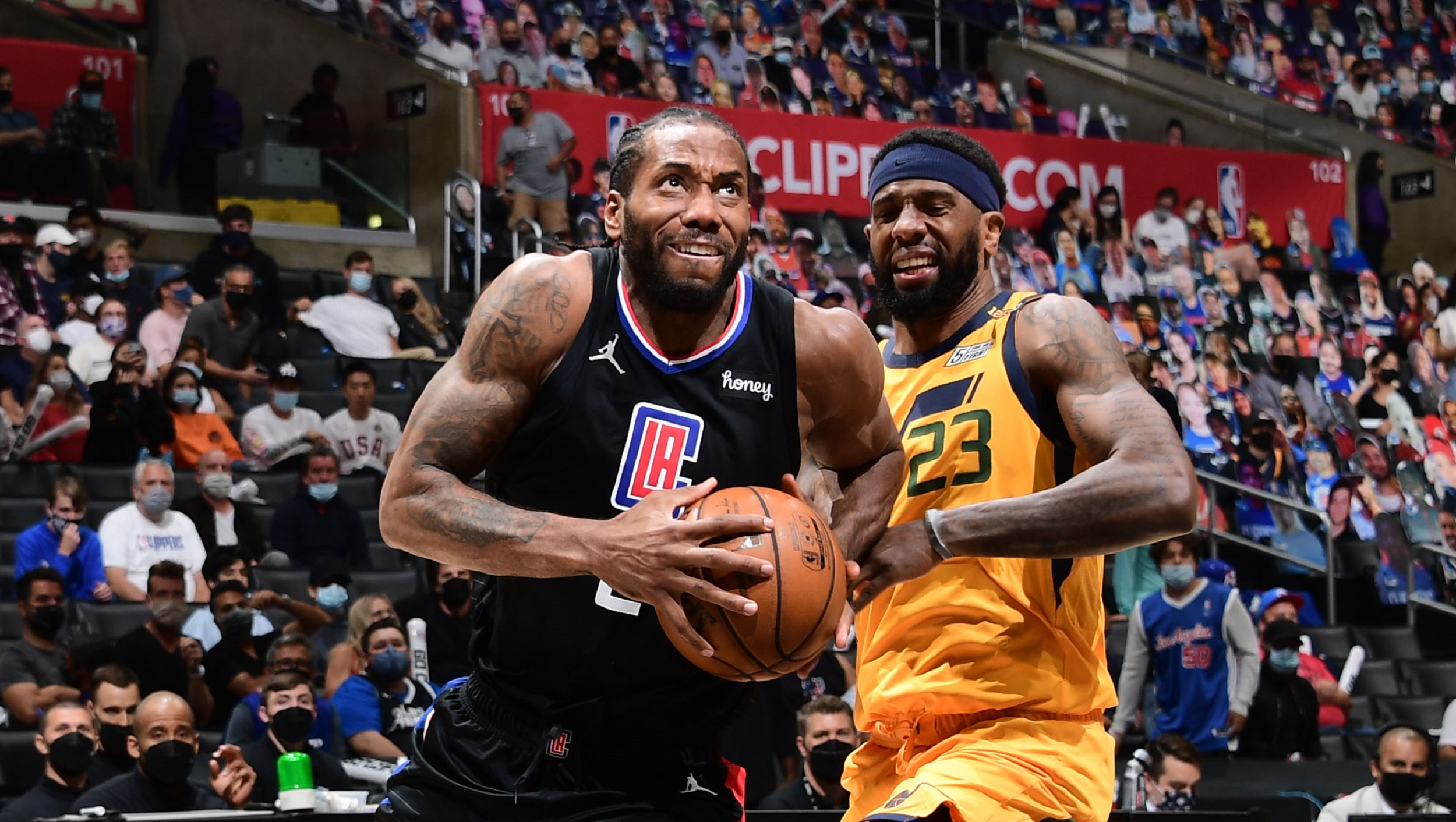 LA Clippers cruise again, knot series at 2-2