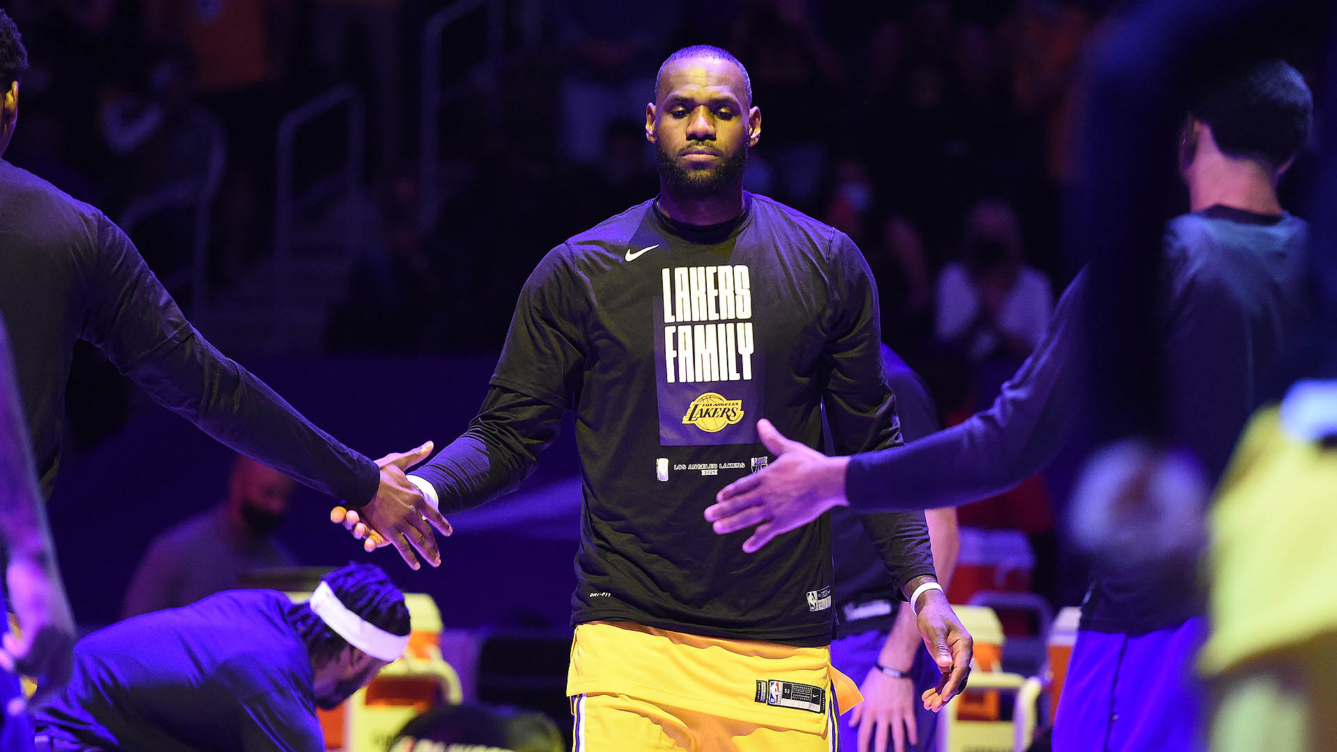 LeBron James officially changes jersey number to No. 6