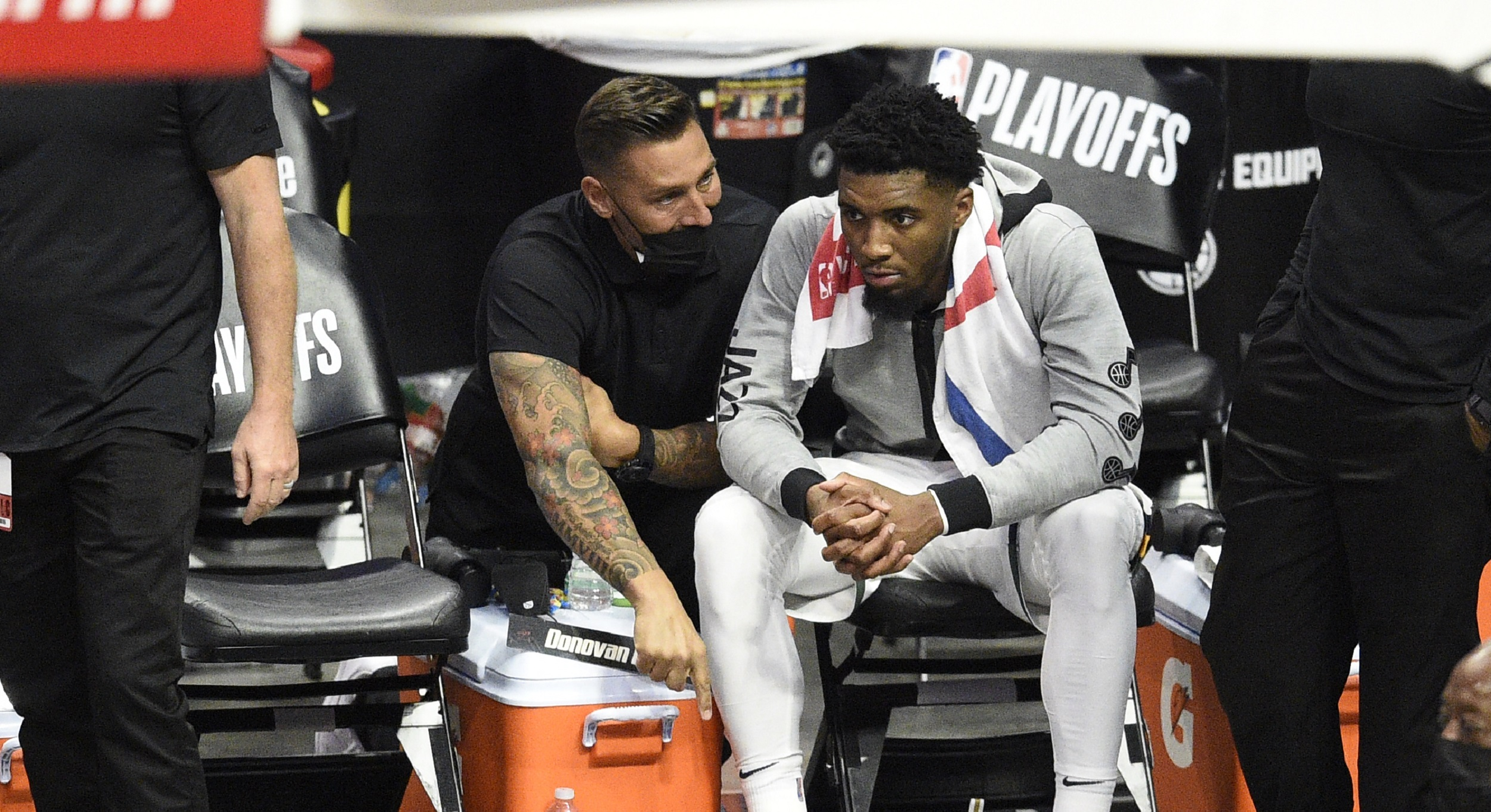 Bumps, bruises in backcourt loosen Utah's grip on series