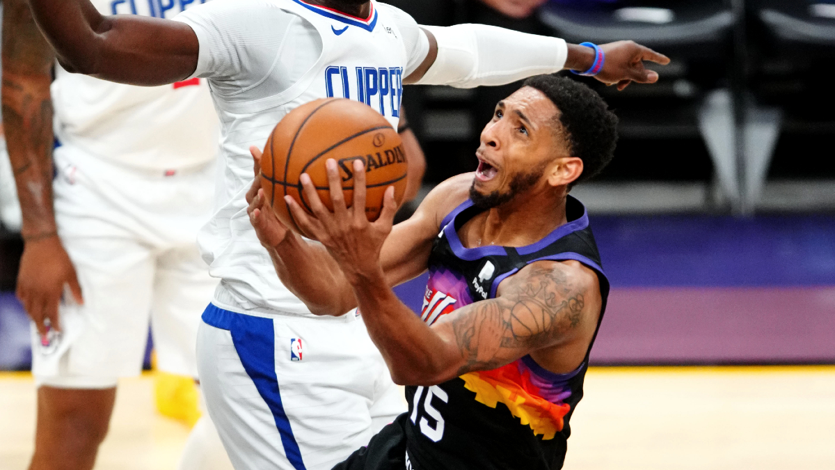 Payne carves up Clippers, scores career-high 29