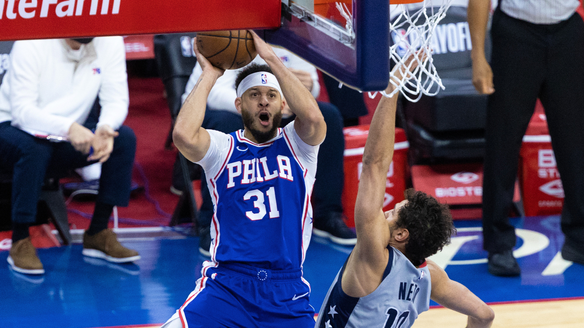 Seth Curry scores playoff career-high 30 points