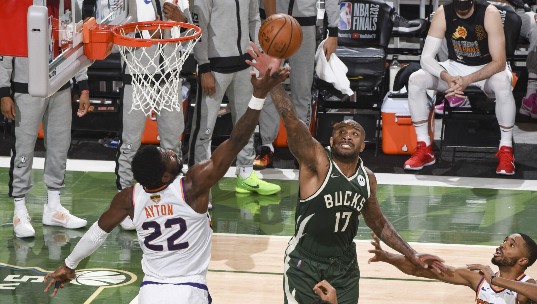 Deandre Ayton's foul trouble limits Suns in Game 3 loss vs Bucks