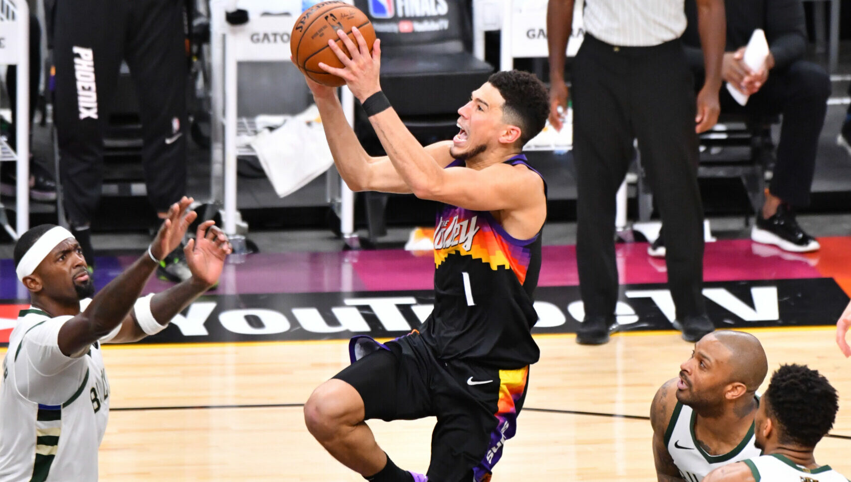 Devin Booker brilliant, needs to get more help from stagnant Suns