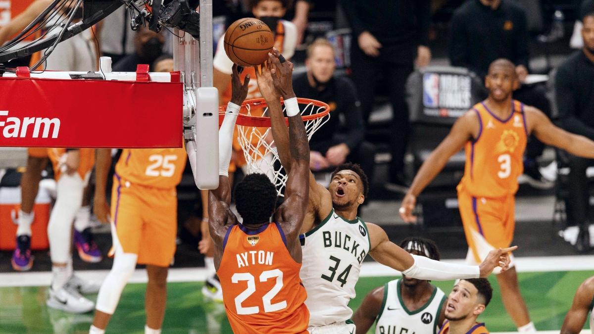 Giannis Antetokounmpo's clutch block helps Bucks even Finals