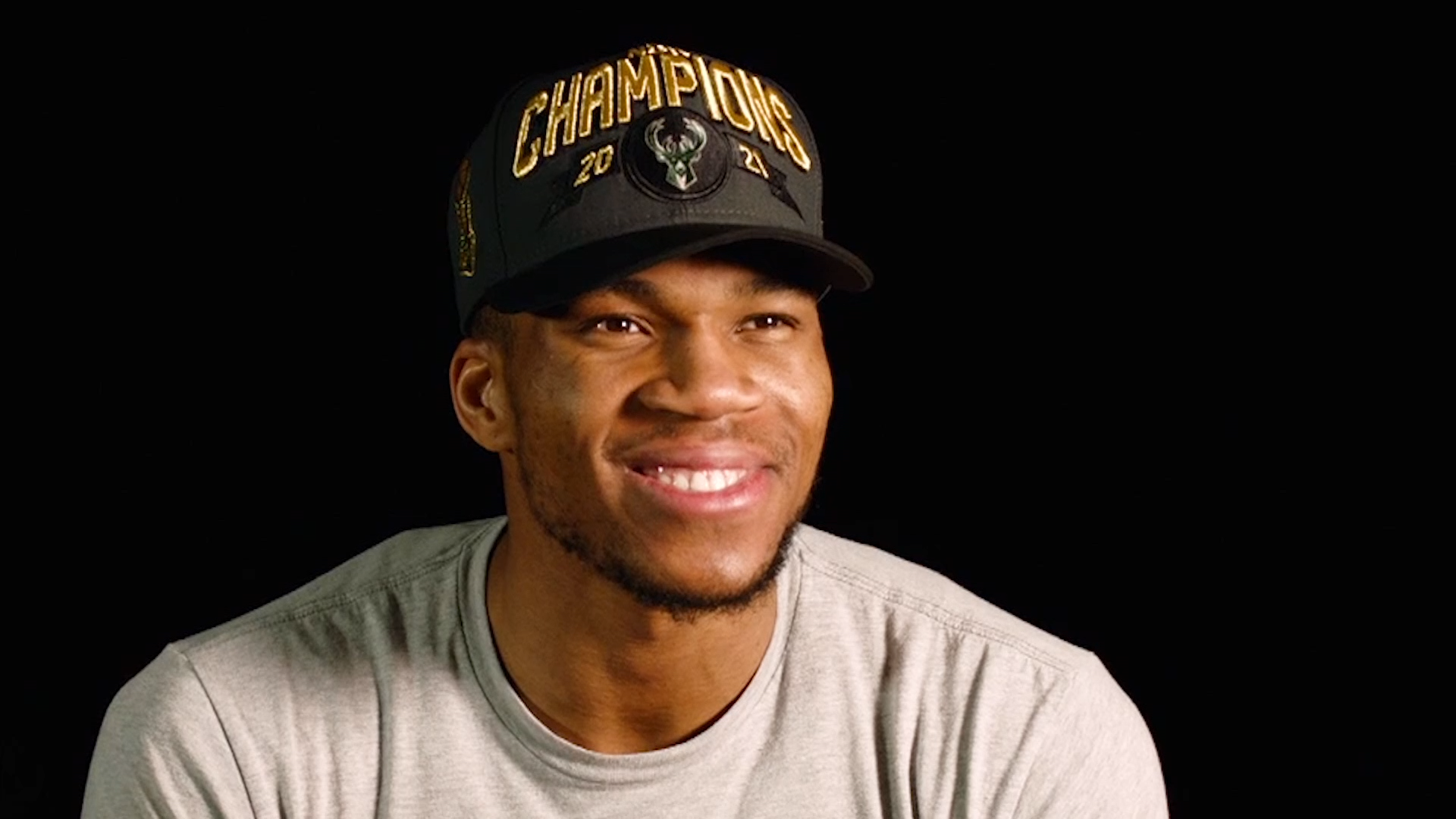 Giannis Antetokounmpo joins Brewers' ownership group