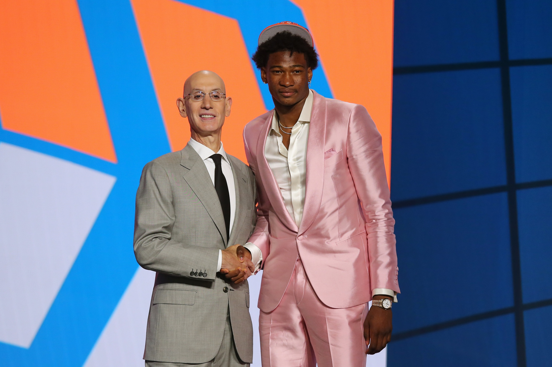 Reports: Hornets acquire No. 19 pick in trade with Knicks