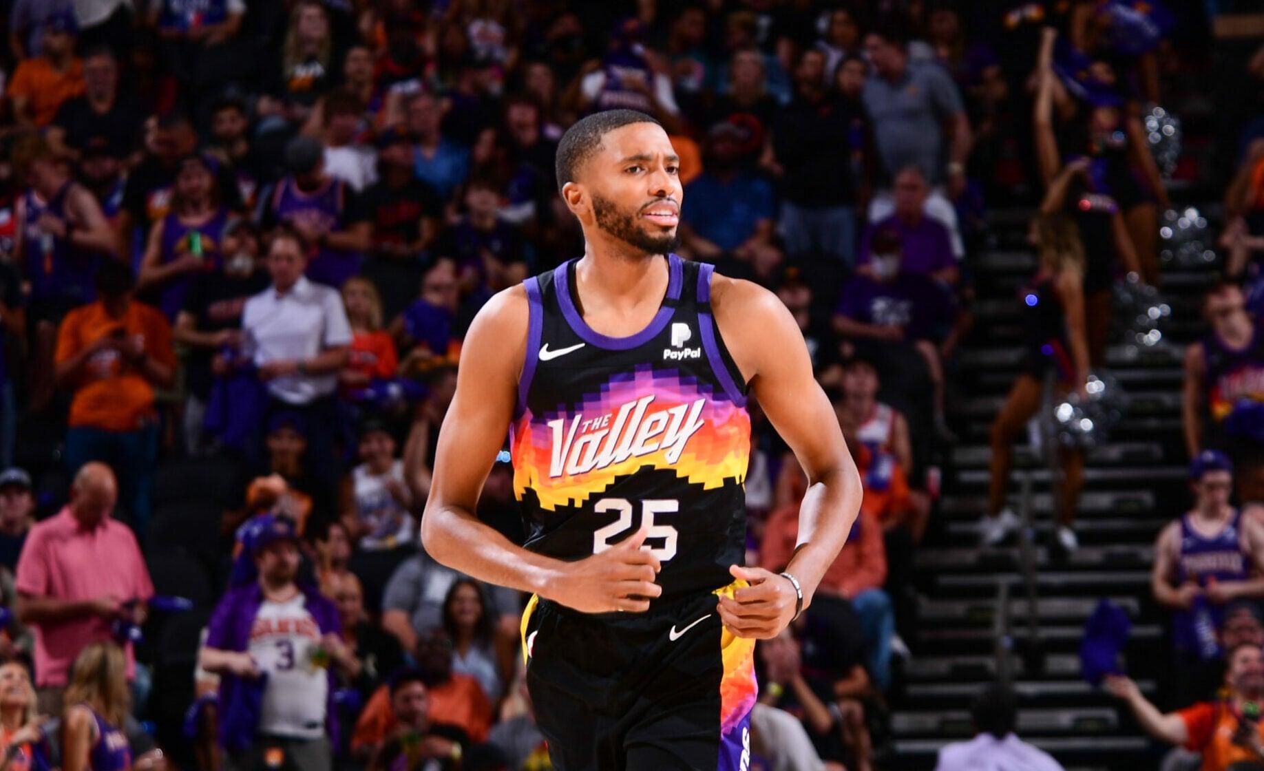 Report: Mikal Bridges, Phoenix Suns agree to 4-year, $90 million extension