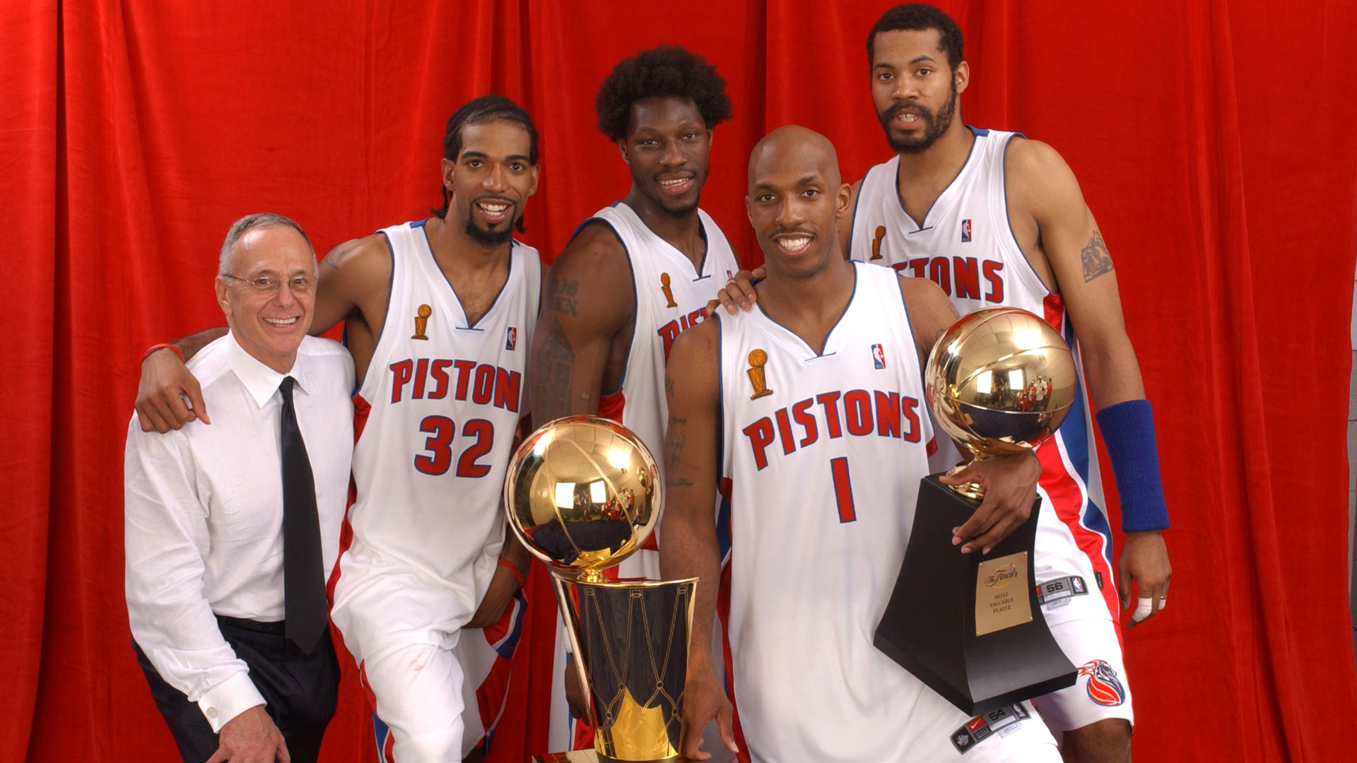 Top Moments: Pistons shock NBA world, win championship in 2004