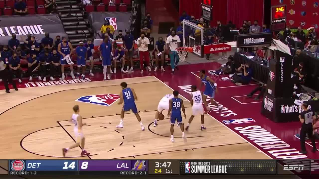 Detroit Pistons with a 11-0 Run vs. Los Angeles Lakers