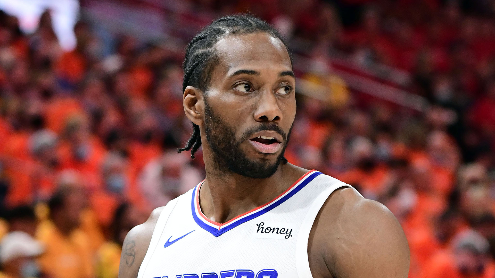 No deal yet as Kawhi continues to weigh options