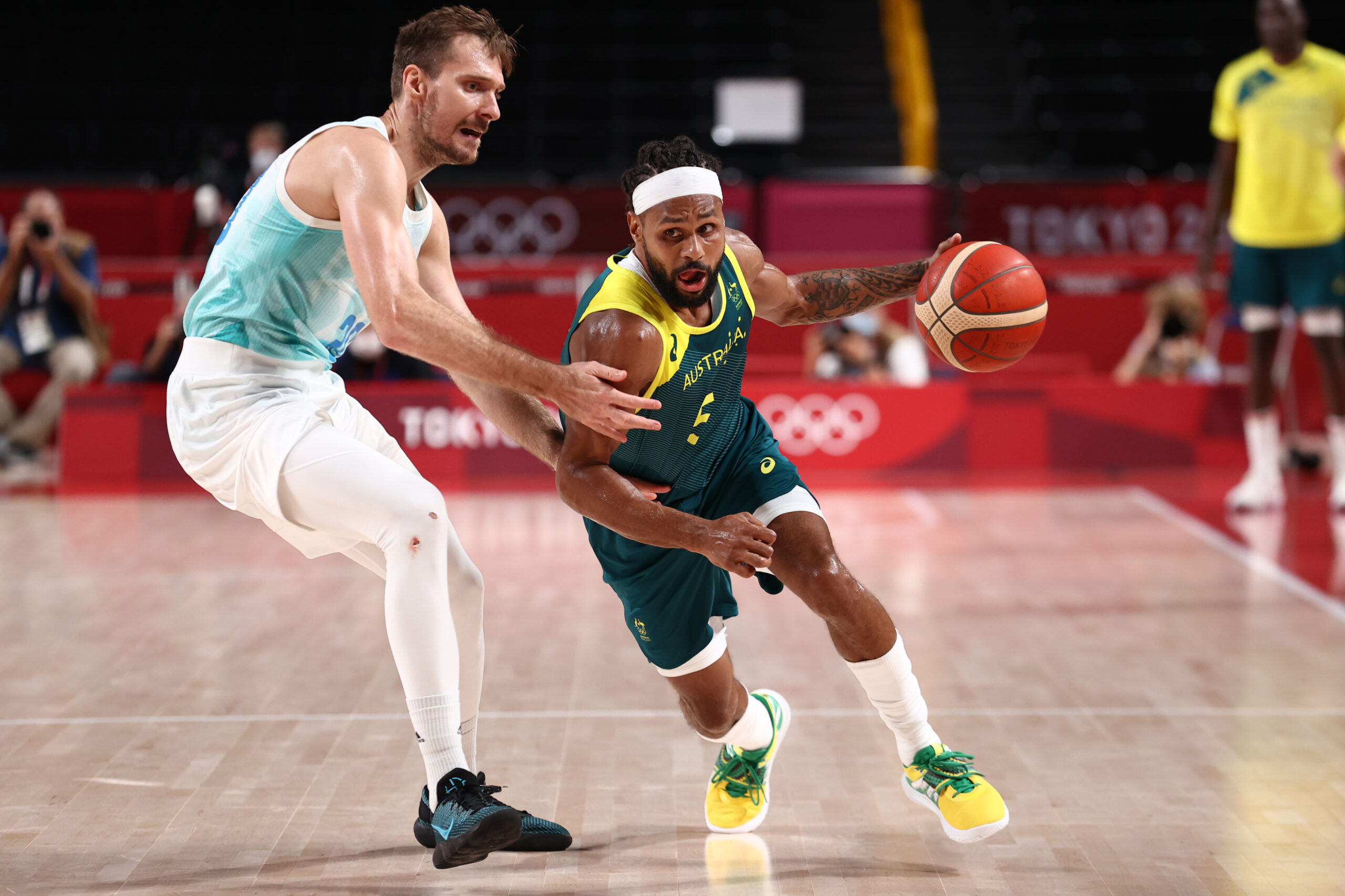 Patty Mills scores 42 to lead Australia past Slovenia for bronze medal