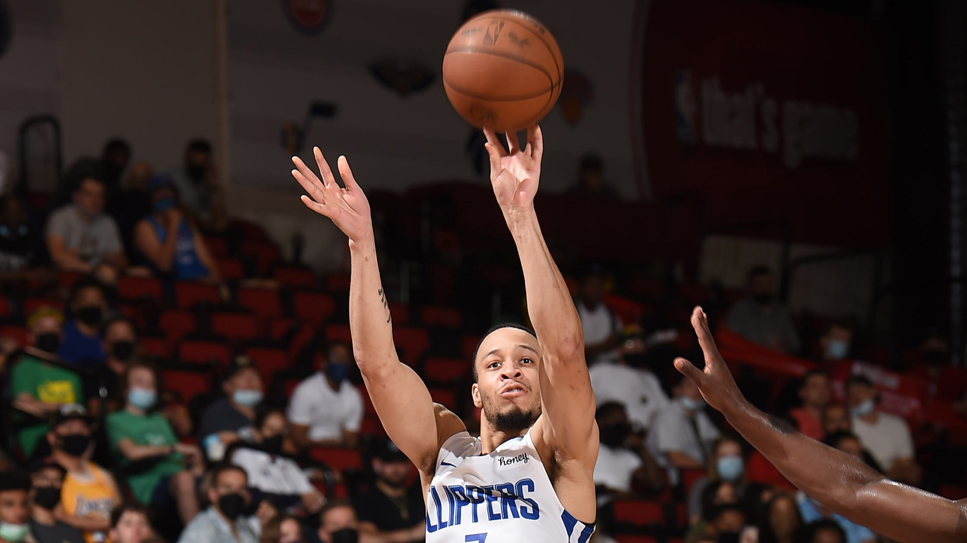 Las Vegas Summer League: Clippers outlast Jazz for first win in Vegas