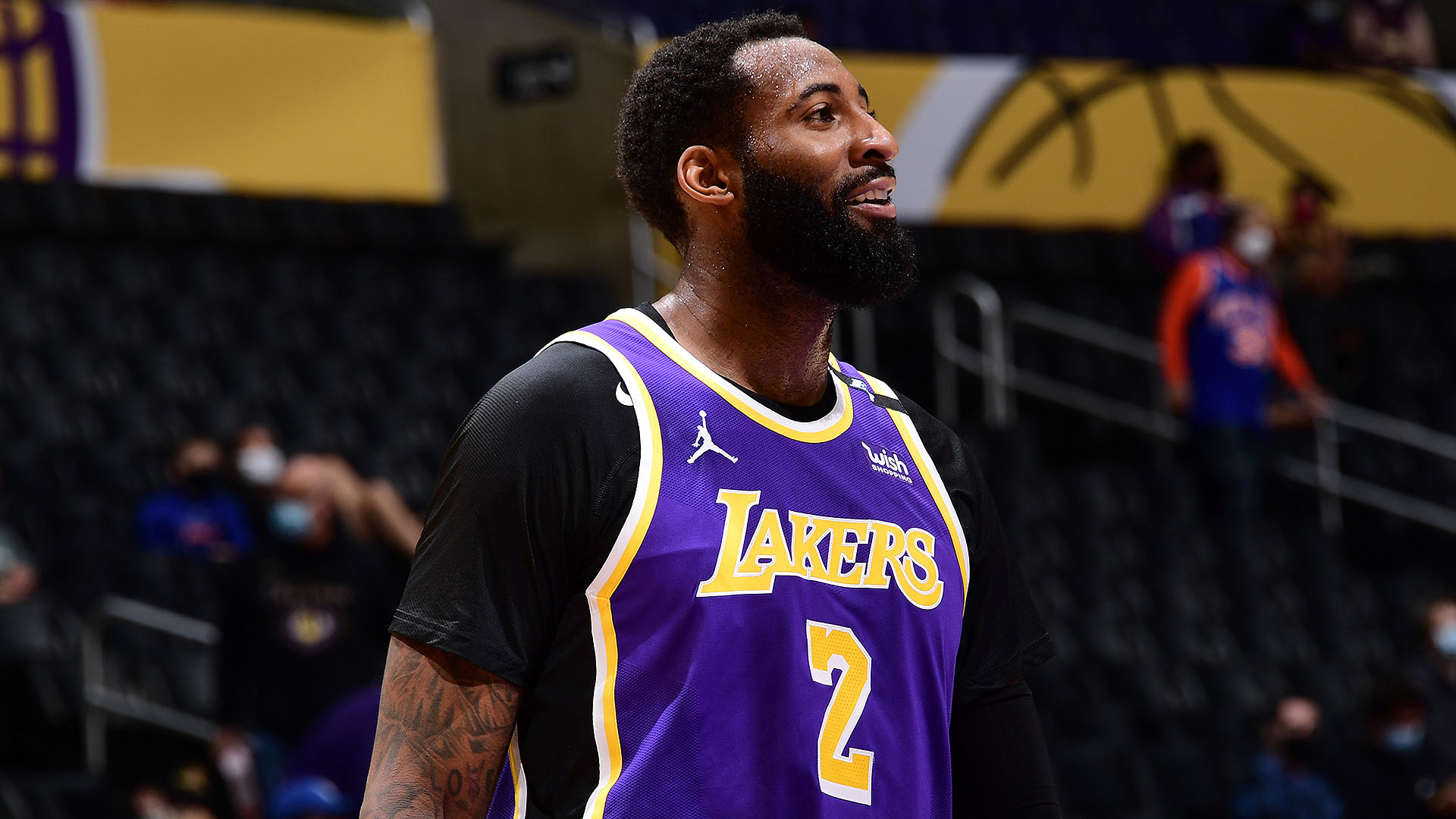 Twin towers in Philly; 76ers sign center Andre Drummond