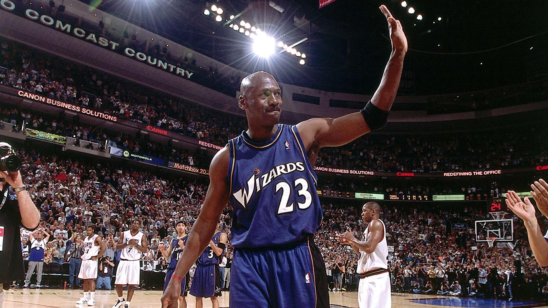 Top Moments: Michael Jordan returns to NBA at age 38