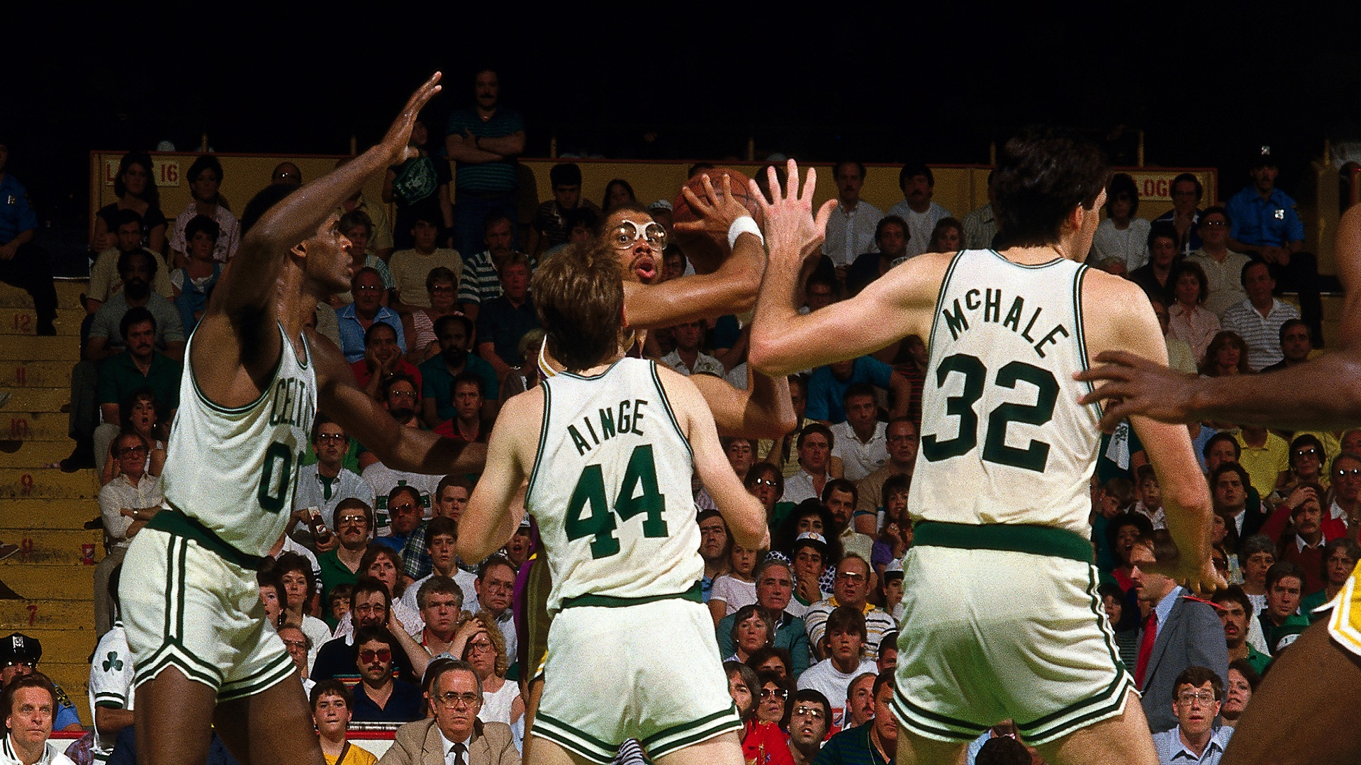 Top Moments: Kareem Abdul-Jabbar turns back clock in 1985 Finals