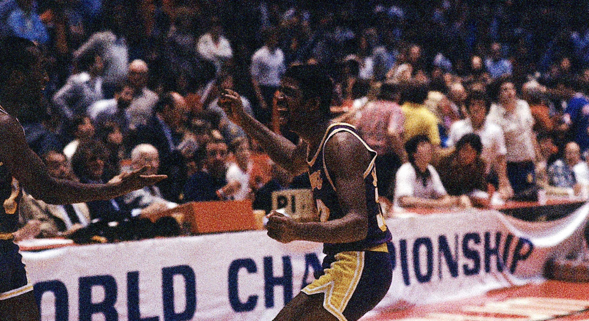 Top Moments: Magic Johnson becomes center of attention in 1980 Finals