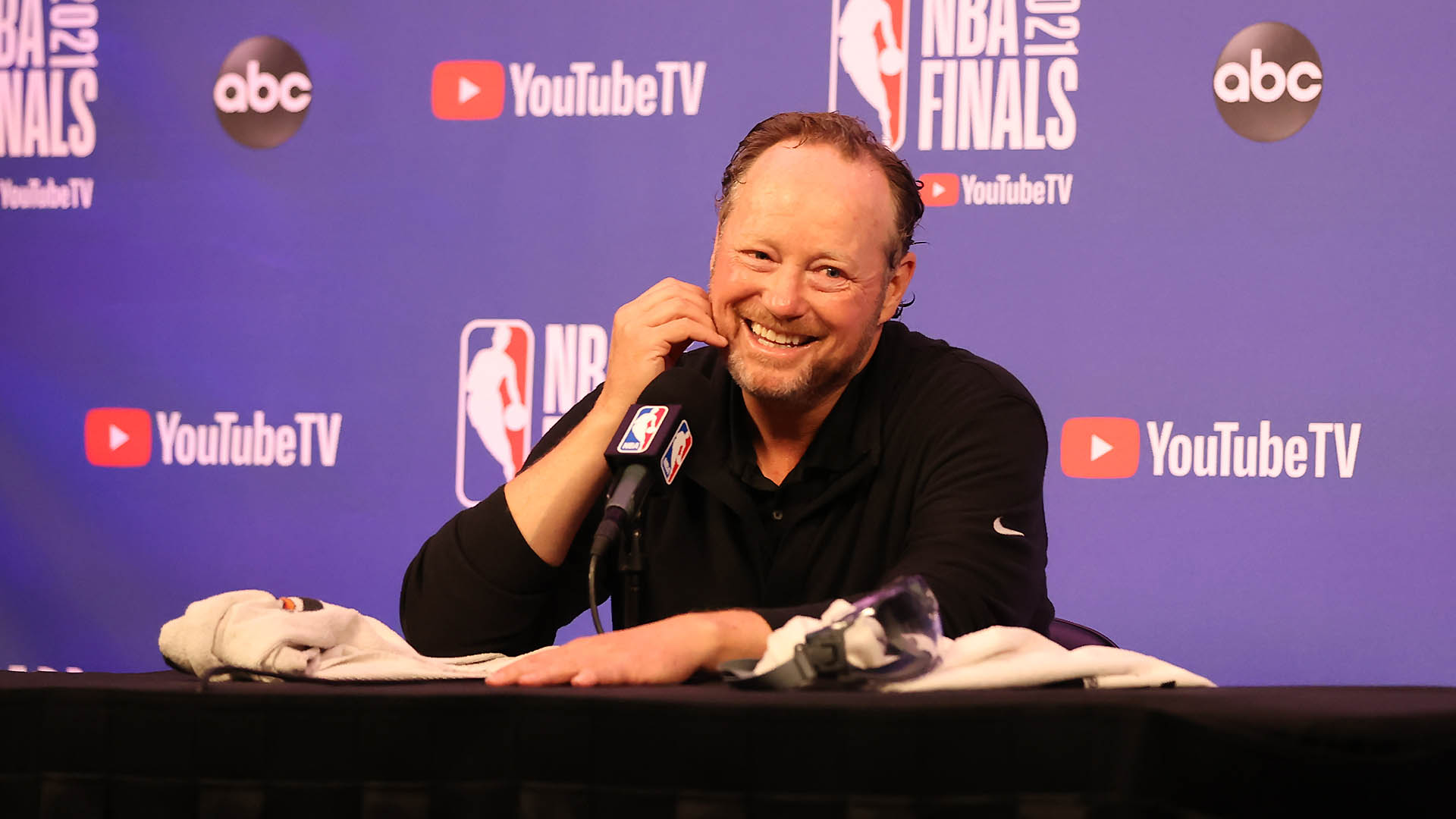 Report: Mike Budenholzer signs 3-year extension with Bucks